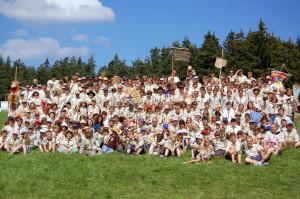 Gruppenfoto der gesamten Region BY1 auf dem Camp in Köslar